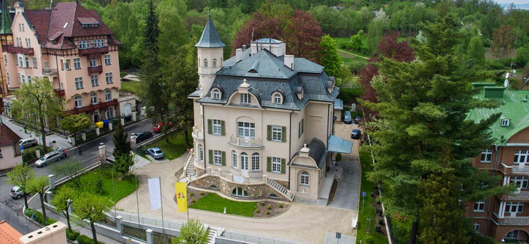 Becherova vila/Becher´s villa///贝赫洛夫卡别墅/فيلا بيخيروفكا