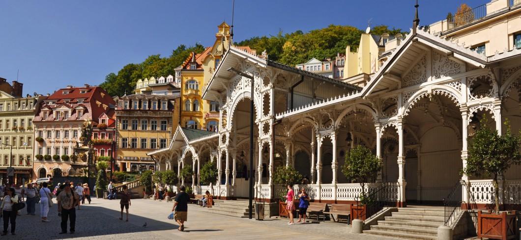 Tržní kolonáda/Market Colonnade/Marktkolonnade/Рыночная колоннада/市场回廊/رواق السوق